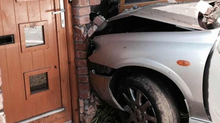 Gardaí appeal for witnesses after a car crashed into a house in Finglas