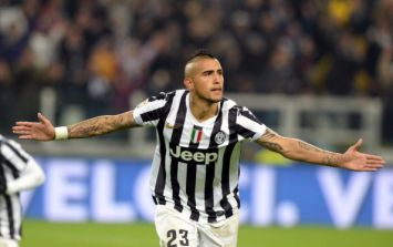 Transfer Talk: Juve want to keep Vidal, Fellaini and Kagawa out and Cech off to PSG