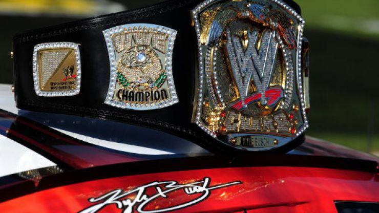 Pic: Triple H welcomes Irish man Fergal Devitt to the WWE