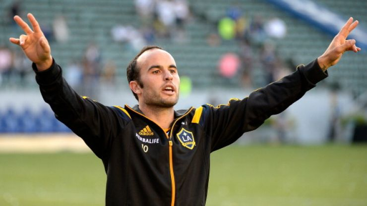 Landon Donovan announces his retirement from football at the age of 32