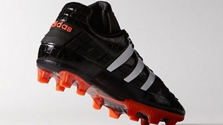 sale retailer 04e75 66f8d Pic  Take a first look at the new Adidas Predator Revenge football boots