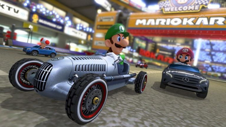 new mario kart 8 dlc includes two classic mercedes-benz cars & new