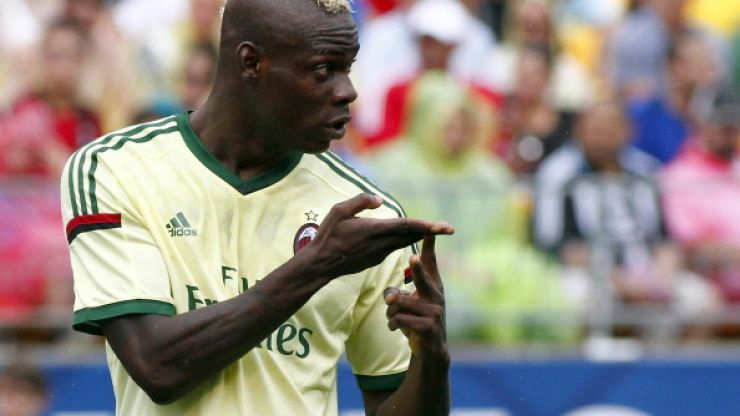 Transfer Talk: Balotelli to Livepool in doubt, Torres to Roma and United interested in Xabi Alonso