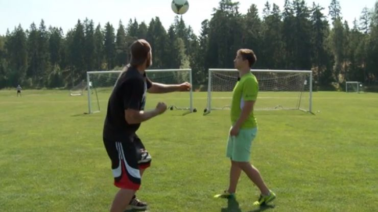 Video: This heavyweight boxer may have just broken the world record for punching a football...
