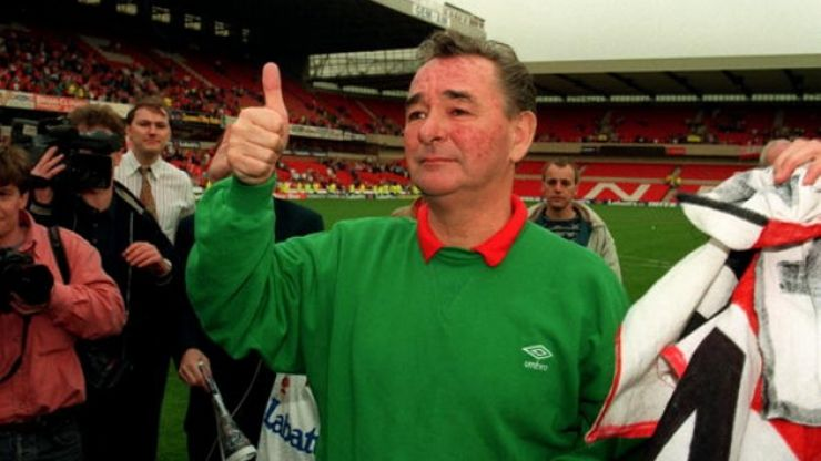 Pic: Nottingham Forest fans pay a lovely tribute to Brian Clough by wearing green jumpers against Spurs