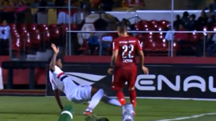 Video: An absolutely disgraceful two-footed tackle from Brazil last night