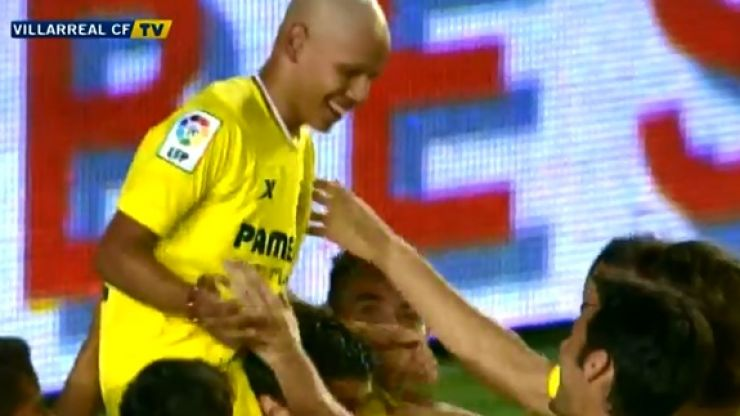 Video: 13-year old Villarreal fan with cancer plays in charity match against Celtic, scores and gets a brilliant reaction