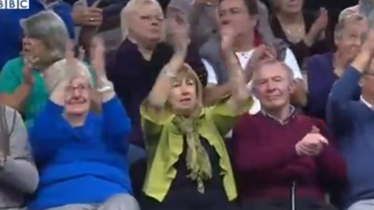 Video: Crowd at the World Bowls Championship enjoying 'Happy' is the best thing you'll see today