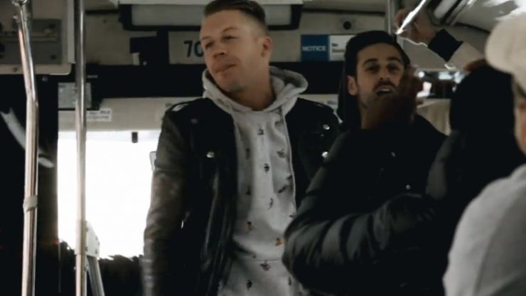 Video: Macklemore gives a surprise concert on a bus