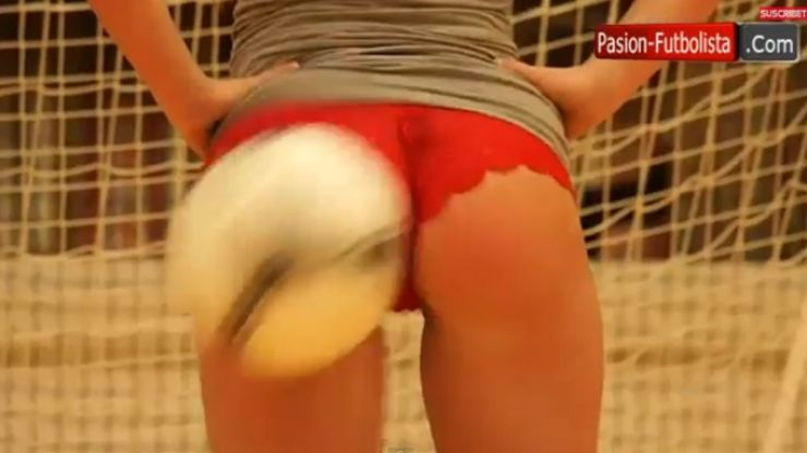Video: Don't they all have lovely bottoms - Belgian side finds novel way to practice shooting