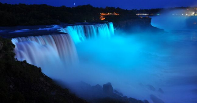 Pictures: Niagra Falls has frozen over, and it looks amazing