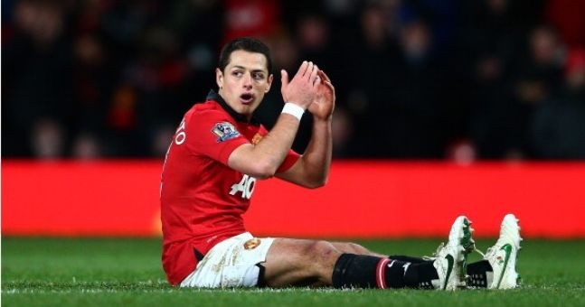 Is Chicharito Hernandez having a go at Robin Van Persie?