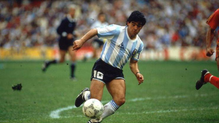 Way to Diego; Maradona to resume football career