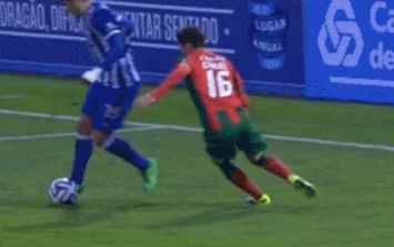 GIF: An outrageous piece of skill from a 19-year old Porto reserve player at the weekend