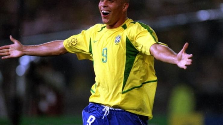 Pic: GAA player in Kildare looks strikingly similar to Brazilian Ronaldo, right down to the famous fringe