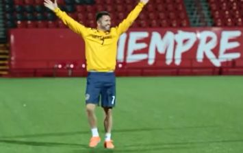 Video: Robbie Keane gets incredibly excited about hitting a ball into a shopping trolley at LA Galaxy training