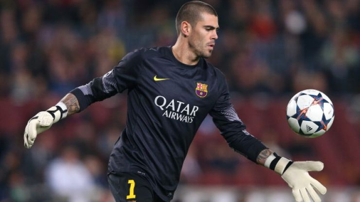 Former Barcelona 'keeper Victor Valdes has turned up at Manchester United