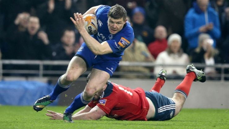 Pic: BOD performs a super-sneaky photobomb as fan poses for snap with Rob Kearney