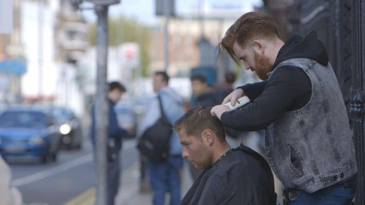 Pic: A kind-hearted guy in Dublin is cutting the hair of homeless people in the city