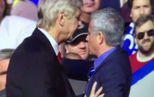 Vine: Arsene Wenger pushes Jose Mourinho on touchline during Chelsea v Arsenal