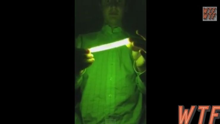 Video: This genius decides to microwave a glowstick, it doesn't go well