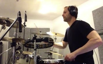 VIDEO: Petr Cech shows off his hidden talent in this cover of a Nirvana classic