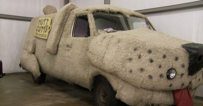 Hollywood Drive of Fame: Dumb & Dumber's Mutt Cutts van