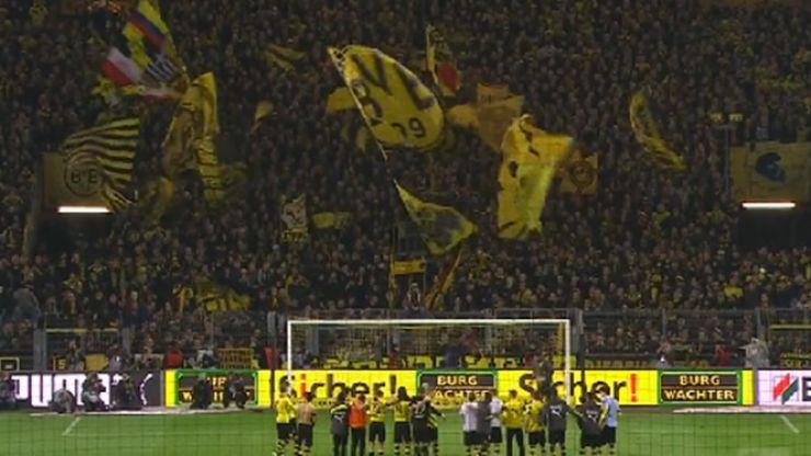 Video: Dortmund's players and their fans sing 'Jingle Bells' on the pitch and it's fantastic