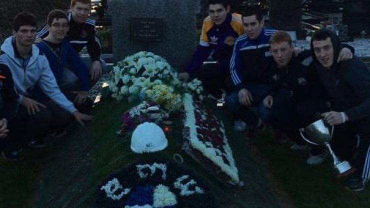 Pic: Kerry club honour the memory of late teammate by visiting his grave after county title win