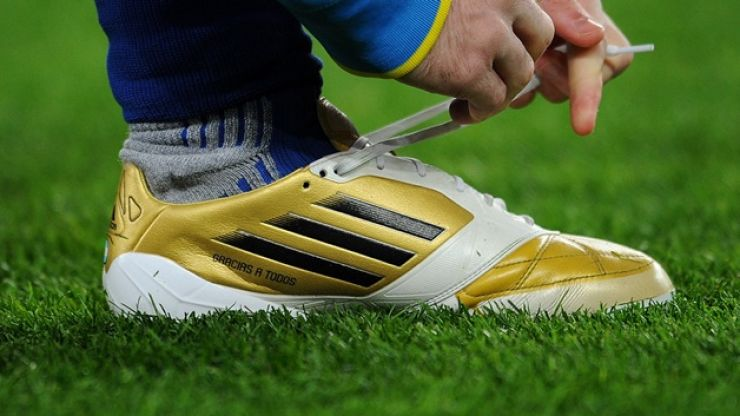 Nearly half of all Premier League footballers wear white boots, incredibly important study reveals