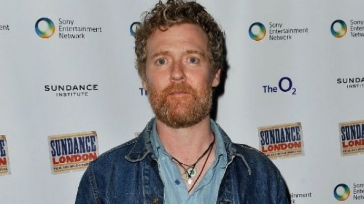 Video: Glen Hansard sings beautiful version of The Auld Triangle with a capella singing group from Trinity College