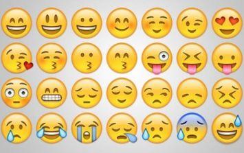 15 Irish WhatsApp conversations when emojis sum things up perfectly