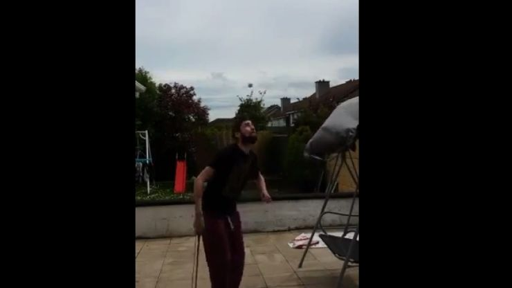 Video: Dublin lad shows off his showboating skills with a golf ball