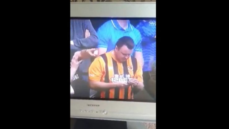 Video: The exact moment when a Hull City fan finds out that Newcastle United have scored is funny