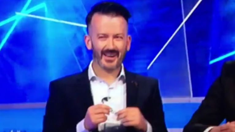 Video: Donal Óg Cusack's laugh after a fly landed on Anthony Daly's head during the Sunday Game is superb