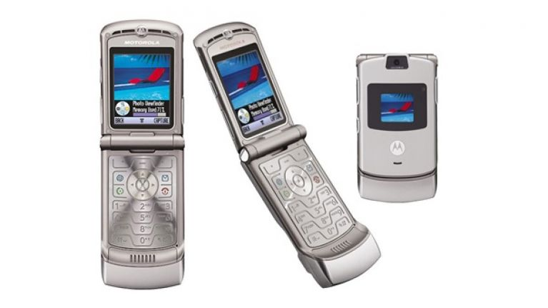 Pic: Flip phones are making a comeback, world rejoices