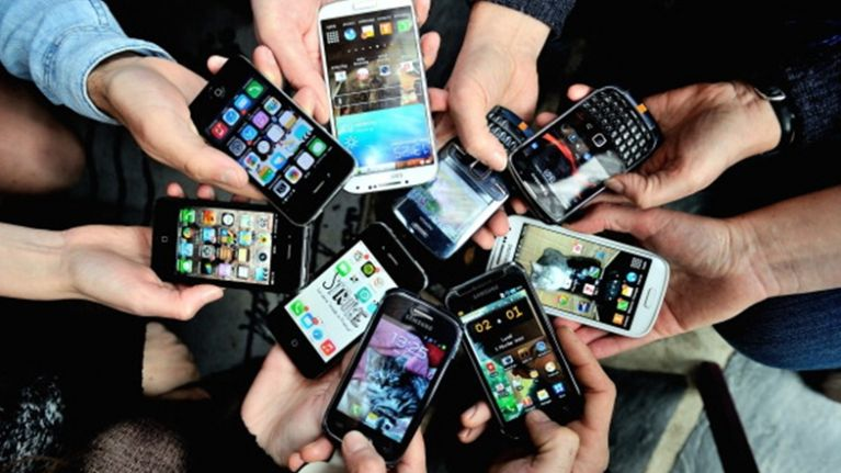New survey confirms what we all knew about smartphones
