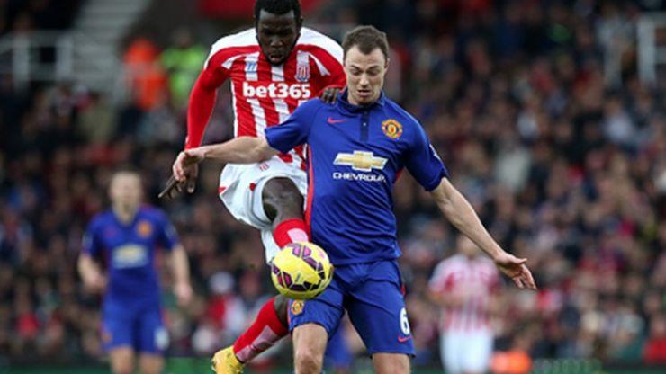 Pic: Twitter hasn't been kind to Jonny Evans during Man Utd's match against Stoke