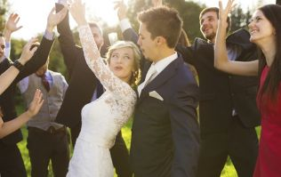 Wedding photographer shares the telling 'sign' a marriage won't last
