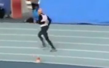 Video: 95-year old man breaks world record by running 200metres in under a minute