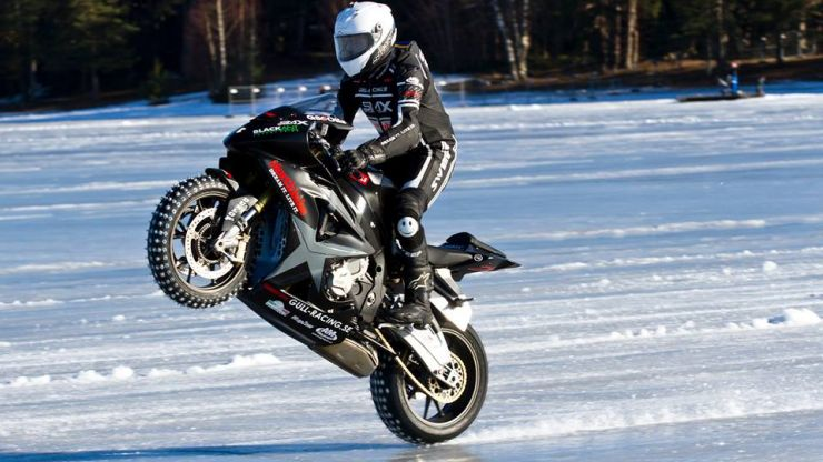Video: 23-year-old biker sets World Record by landing a 206km/h wheelie on ice