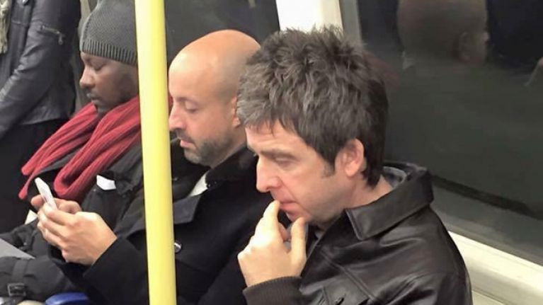 Tube Image Noel.Video Noel Gallagher On The Tube Before Playing On Stage