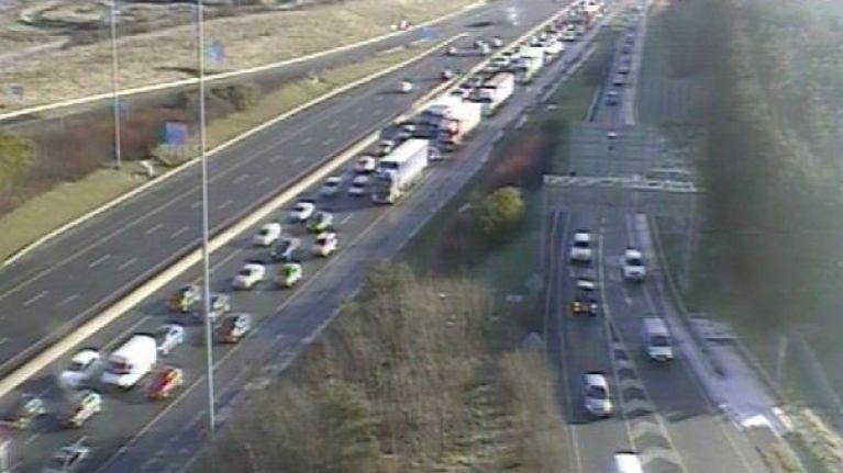"""AA Roadwatch reports """"extremely long delays"""" on M50 on Monday morning"""