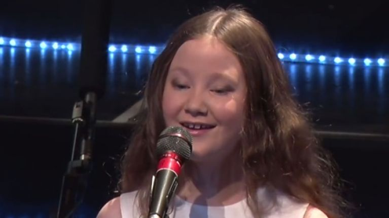 VIDEO: This 10-year-old Irish girl singing 'Walking in the