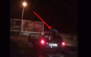 VIDEO: Footage of a guy in Kerry clinging onto the roof of a moving car