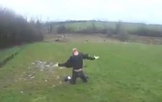VIDEO: Tipperary man makes the most of the windy Irish weather and channels his inner-Michael Jackson in a field
