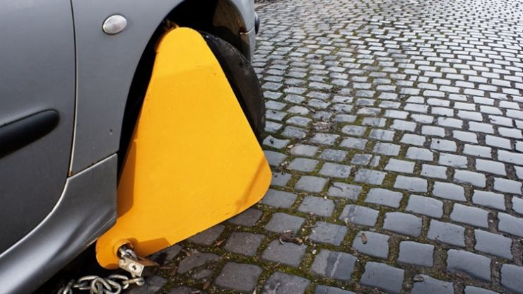 PIC: Offaly GAA star prevents woman from getting clamped in Dublin and gets a date for his efforts