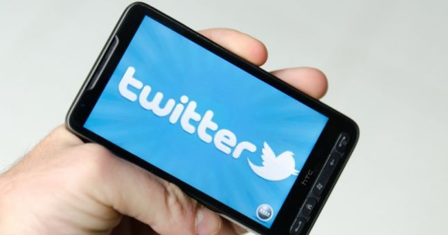 """Twitter confirm that they hold """"World Leaders"""" to a different standard on 'controversial tweets'"""
