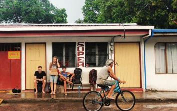 JOE Backpacking Diary #8 - My first mugging, border problems and amazing Costa Rica