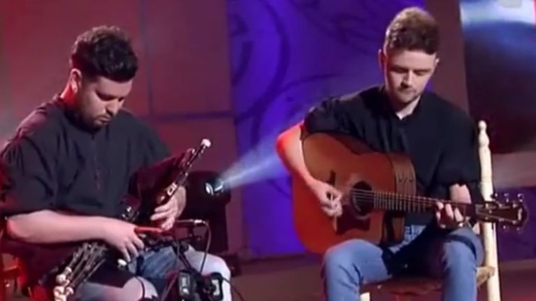 WATCH: The audience loved these two Irish guys playing